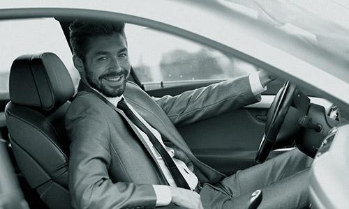 DriveMe - Chauffeur achter het stuur